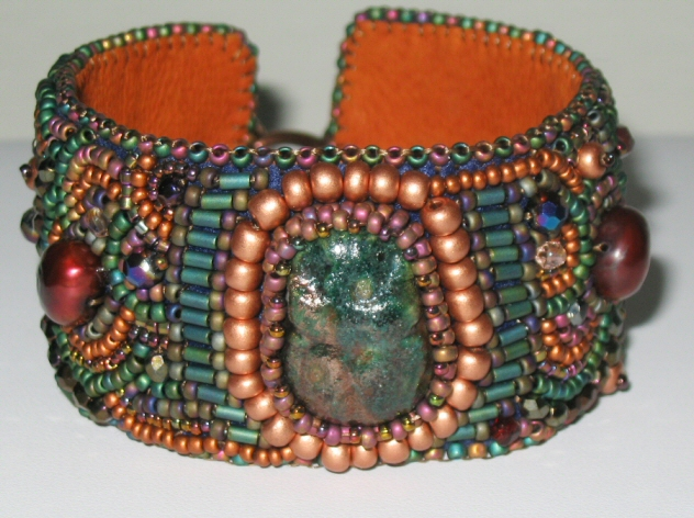 Pumpkin Bracelet :  beads jewelry cuff hand made